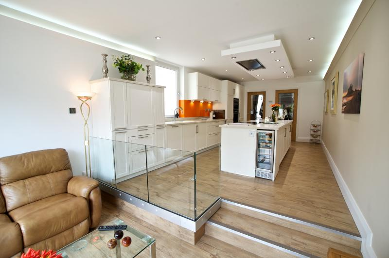 Step up to a keller kitchen keller design centre for Kitchen design 4m x 2m