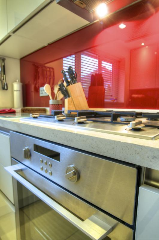 Modern Handleless Fitted Kitchen Bridge Road Ansdell