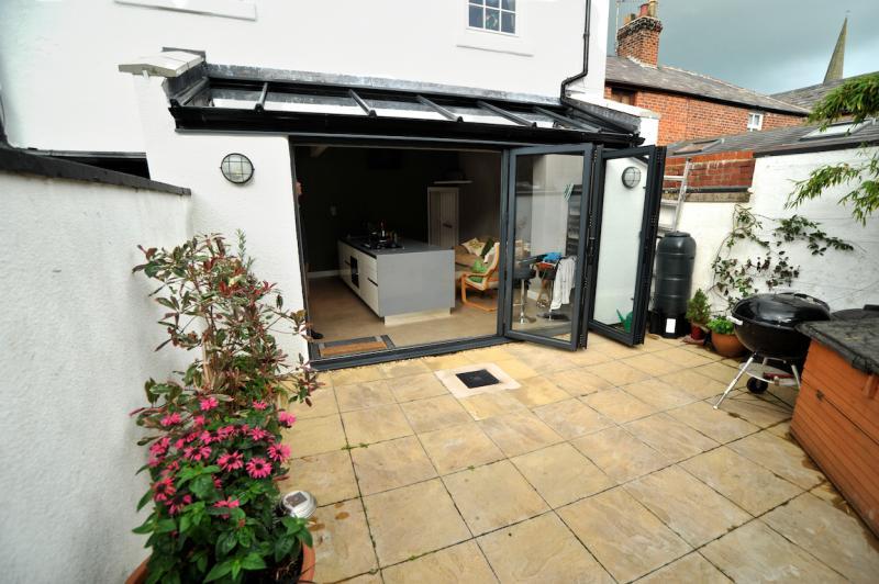 Mews cottage kitchen extension keller design centre for Cottage kitchen extensions
