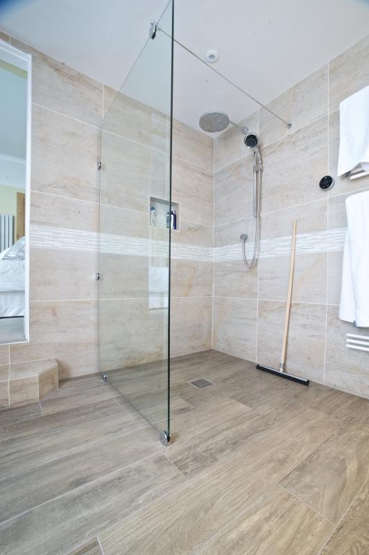 En suite wetroom in Lytham St Anne's | Keller Design ...