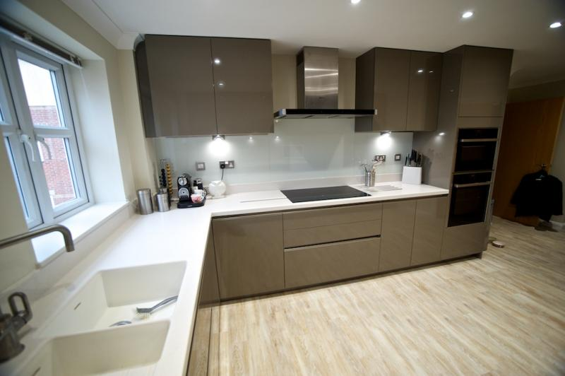 Handleless Gloss Fitted Kitchen,Victory Boulevard, Lytham