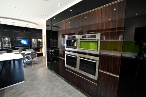 handleless high gloss contemporary kitchen