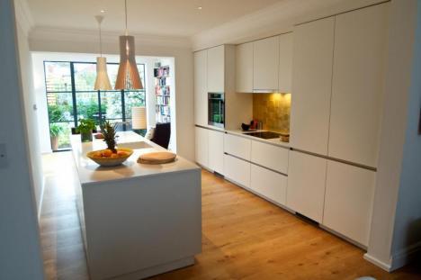 Keller high gloss handleless fitted kitchen